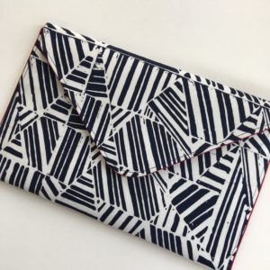 Lorek clutch – black and white